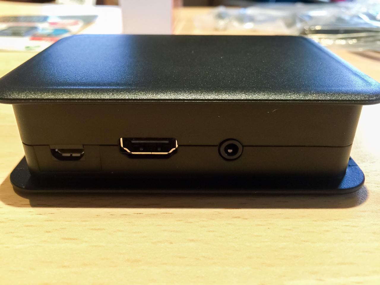 Der HDMI- und Stromanschluss des RaspBerry Pi 3